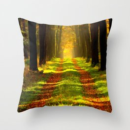 Floresta Throw Pillow