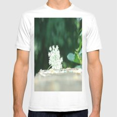 Queen Anne's Lace w/ bokeh MEDIUM Mens Fitted Tee White