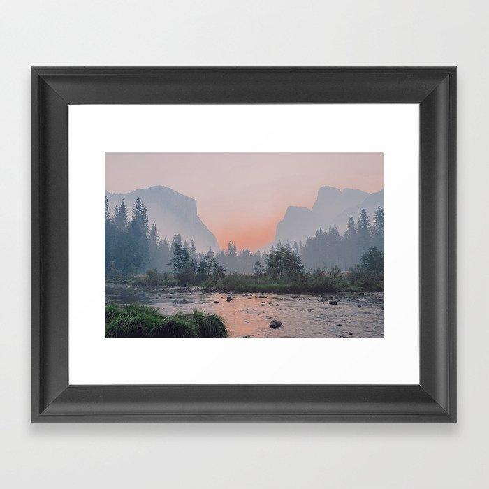Yosemite Valley Sunrise Pretty Pink Gerahmter Kunstdruck