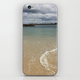 Beautiful clear water at Yarra Bay Beach iPhone Skin