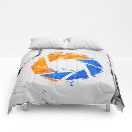 Aperture Vandal Comforters