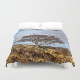 Hillside tree Duvet Cover