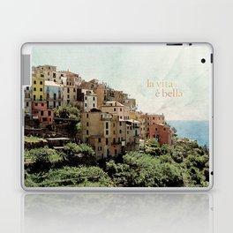 la vita è bella Laptop & iPad Skin