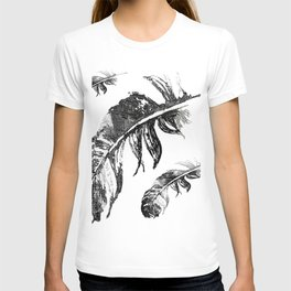 FEATHERS IN BLACK WHITE AND GRAY T-shirt