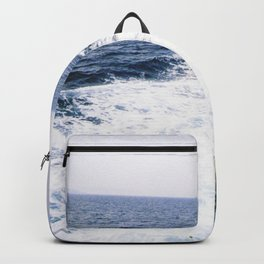 Waves in the ocean Backpack