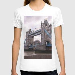 London Photography Tower Bridge of London Europe Travel Dreamy T-shirt