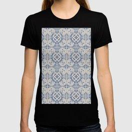 Vintage blue tiles pattern T-shirt