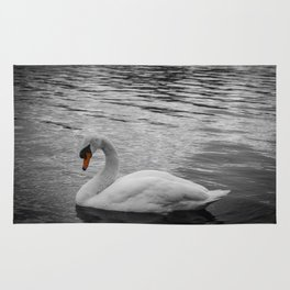 Swan in the Serpentine at Hyde Park Rug