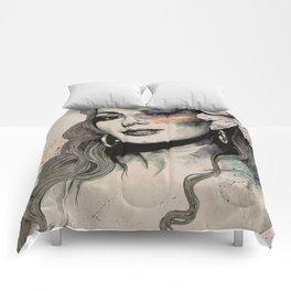 Edwige (street art sexy portrait of Edwige Fenech) Comforters