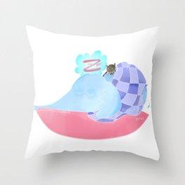 l'éléphant qui dort Throw Pillow