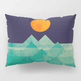 The ocean, the sea, the wave - night scene Pillow Sham