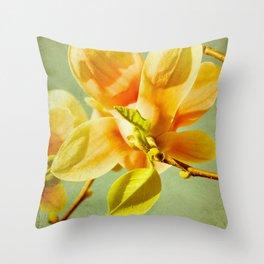 sunny magnolias Throw Pillow
