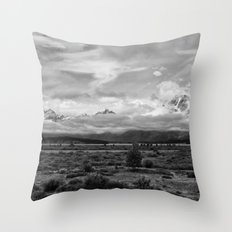 Tetons, Wyoming Throw Pillow