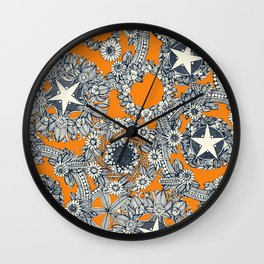 cirque fleur papaya Wall Clock
