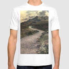 Mountains o Skye Island T-shirt