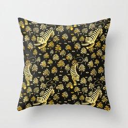 Tiger jungle animal pattern Throw Pillow