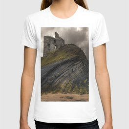 Forgotten castle in western Ireland T-shirt
