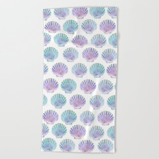 iridescent shells pattern Beach Towel