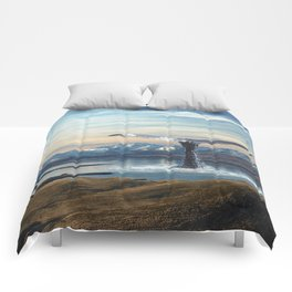 Big Fish In A Little Pond-Whale in New Zealand Lake Comforters