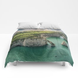 Elephant cliffs Comforters