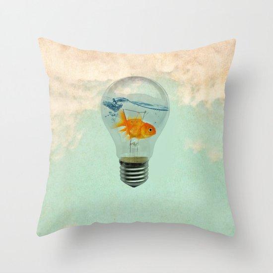 goldfish thinking Throw Pillow