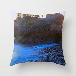 Secret spot Throw Pillow