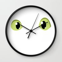how to train your dragon Wall Clocks featuring How to train your dragon Dragon eyes  by Komrod