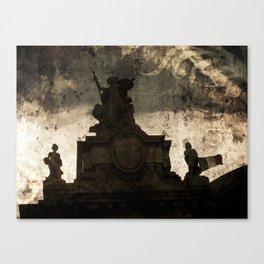 Victoire Canvas Print