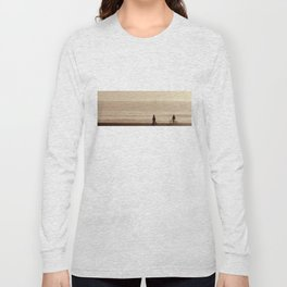 sea shore walk Long Sleeve T-shirt