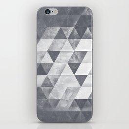 dythyrs iPhone Skin