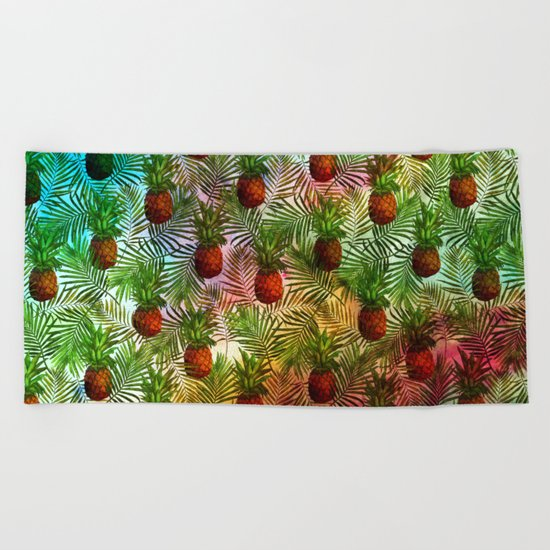 Pineapples - Tropical fruit watercolor illustration pattern Beach Towel