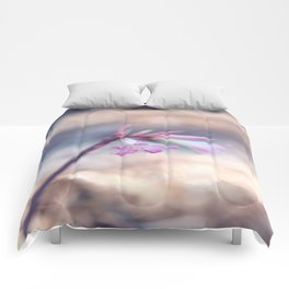 Standing Beauty Comforters