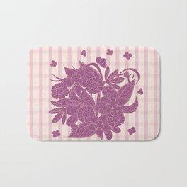 lines pattern with bouquet Bath Mat