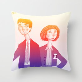 mulder n scully Throw Pillow