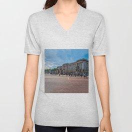London - Buckingham Palace Unisex V-Neck