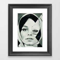 Frau mit Dreieck 2 Framed Art Print