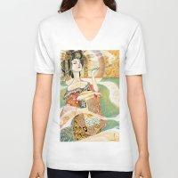 klimt V-neck T-shirts featuring Klimt Oiran by Sara Richard