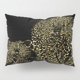 Big Cat Models: Magnified Snow Leopard and Cub 01-01 Pillow Sham