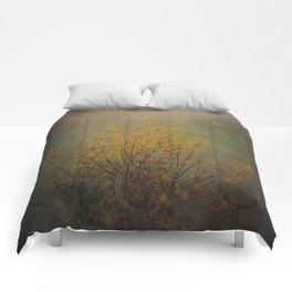 Vintage flowering bloom Comforters