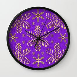 DP044-3 Gold snowflakes on purple Wall Clock