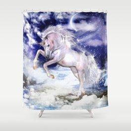 Einhorn in den Wolken Shower Curtain