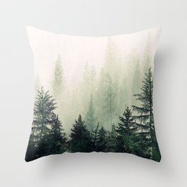 Foggy Pine Trees Deko-Kissen