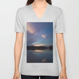 Just before the night arrives Unisex V-Neck