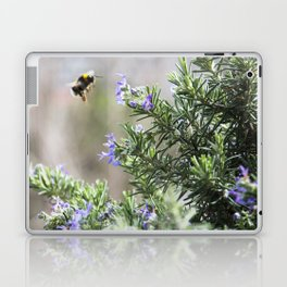 bumble bee flight Laptop & iPad Skin