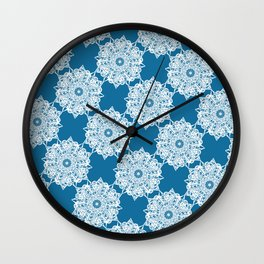 Gorgeous Lace Snow Pattern Wall Clock