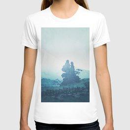 Mist under Uniki T-shirt