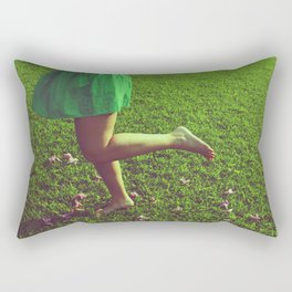 pasos en susurros Rectangular Pillow