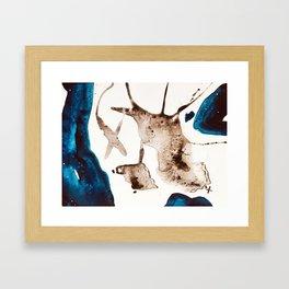 du bleu Framed Art Print