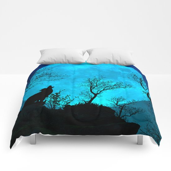 Howling wolf Comforters