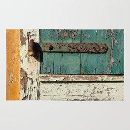 Old Wood an Rusty Grunge Barn Door Rug
